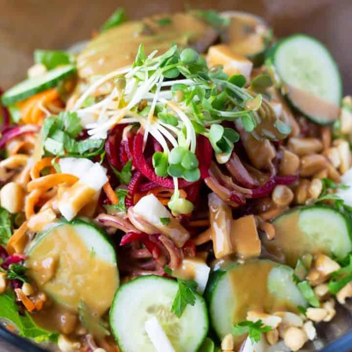 Vegan raw pad thai with sauce